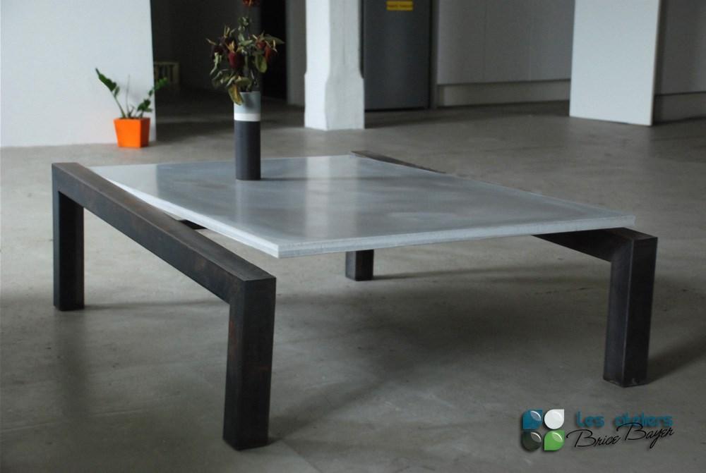 table basse beton acier vertigo